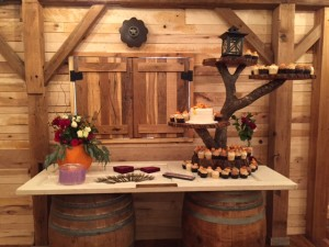 10-19-2014 Barn Cake Table 01