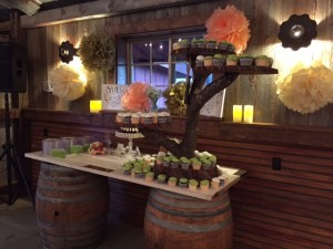 10-24-2014 Barn Cake Table 02