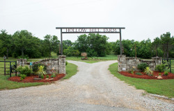 hollow hill farm main entrance