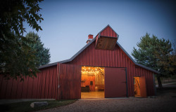 DFW rustic barn wedding