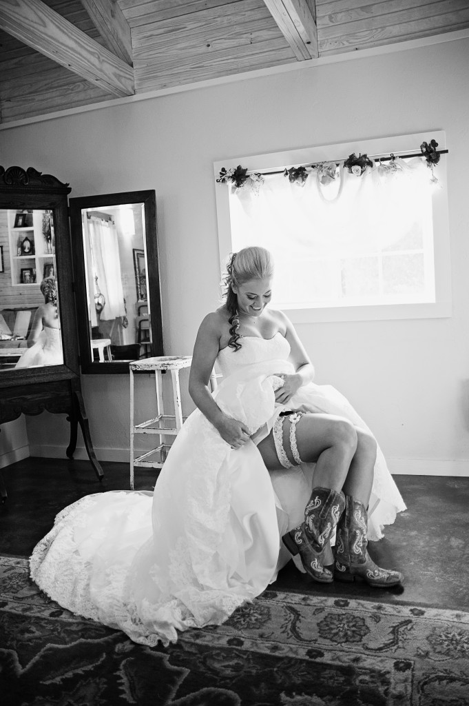 Getting ready in Hollow Hill's bridal dressing area