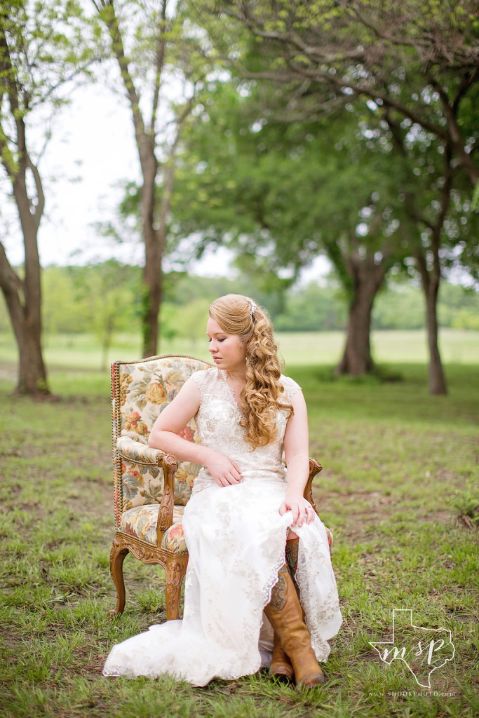 Adding your own personal twist to nature makes for unique country bridals