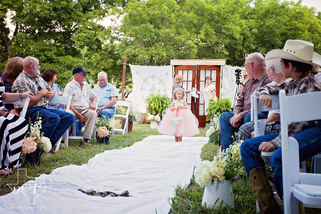 Casual outdoor wedding ceremony in the country at Hollow Hill