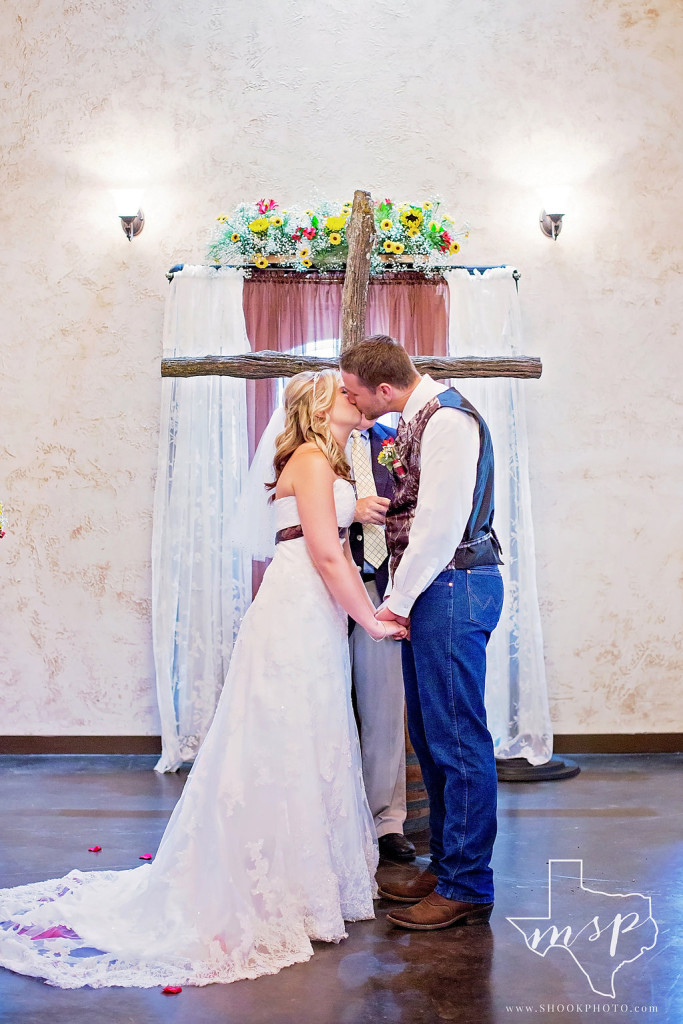 Intimate indoor ceremony at Hollow Hill's country yet elegant Great Room