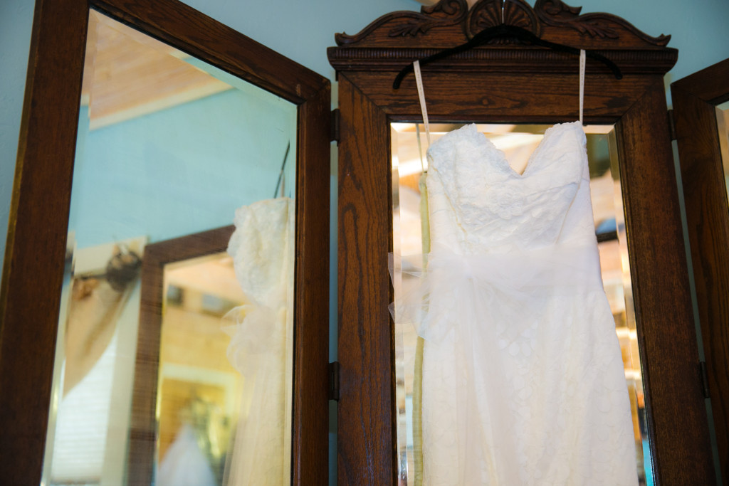 The brides dressing area at Hollow Hill has plenty of mirrors